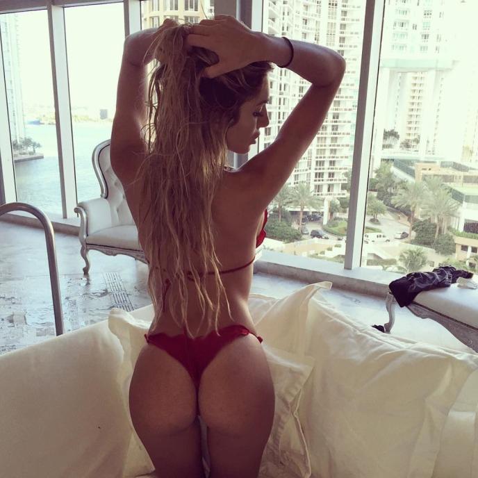 loira gostosa biquini instagram