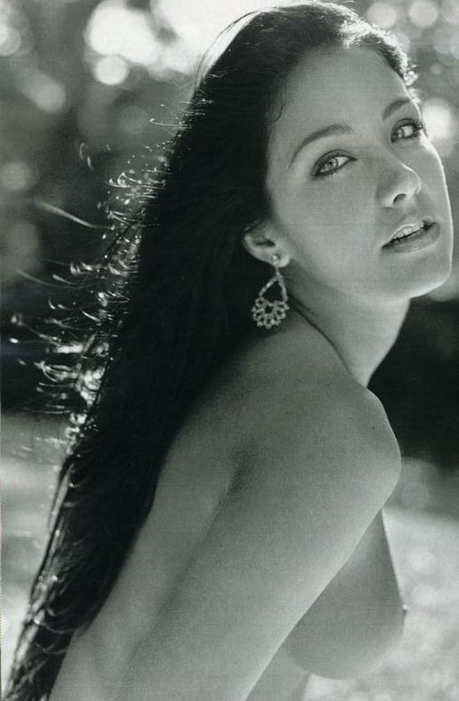 Playboy Clássicos: Helen Ganzarolli (+18)