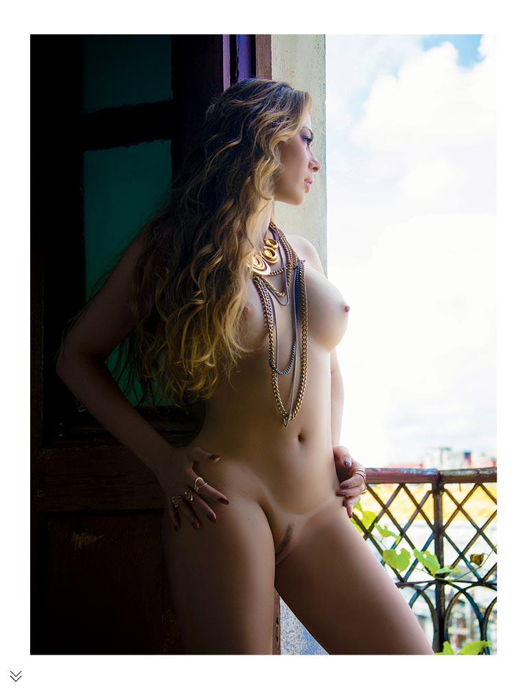 juliana isen nua na sexy de novembro
