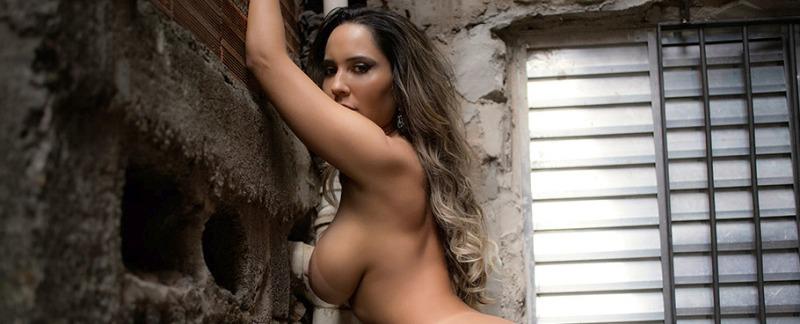 Revista Sexy Junho 2016 :: Renata Frisson Mulher Melão