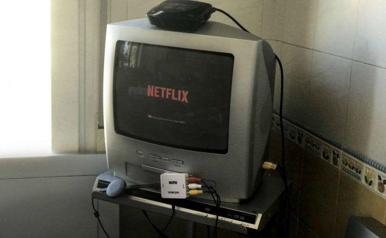 Como transformar TV de tubo antiga em Smart TV