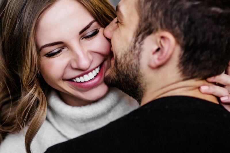 10 coisas que todos os casais fazem mas tem vergonha de admitir