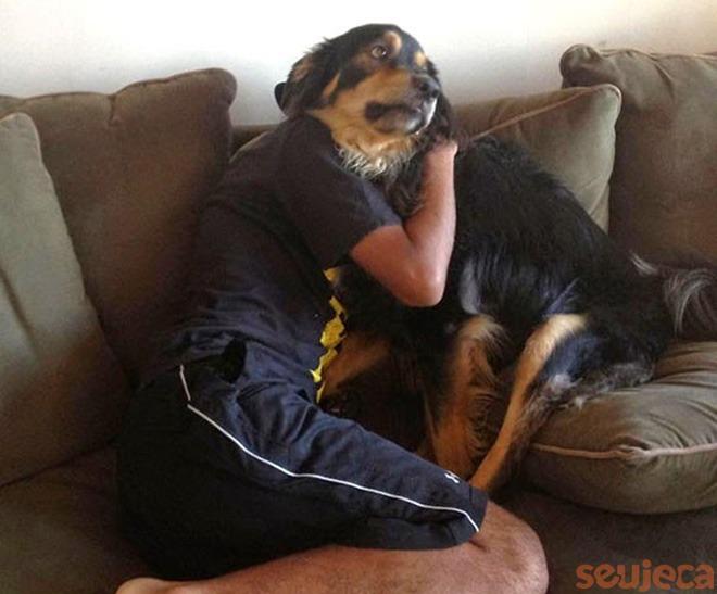 O homem que trocou de cara com o seu cachorro