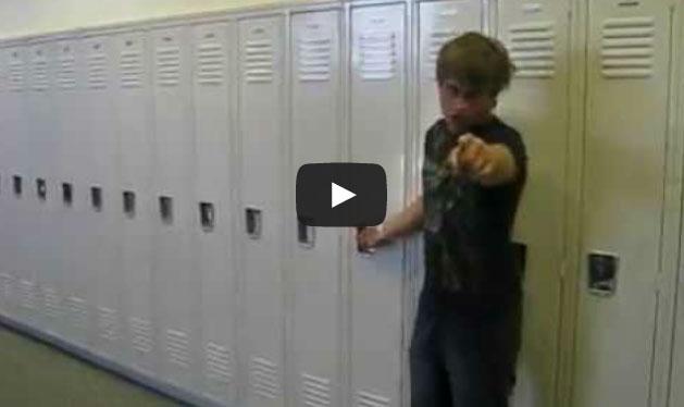 Como guardar uma garrafa no armário com estilo