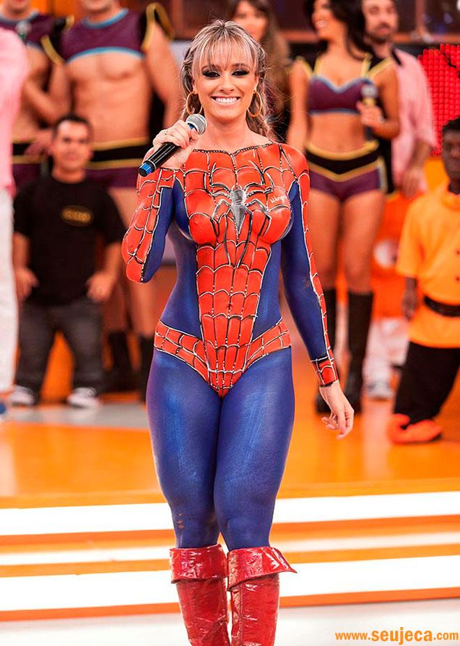 http://www.seujeca.com/wp-content/uploads/juju-salimeni-tira-a-roupa-e-se-transforma-em-mulher-aranha.jpg